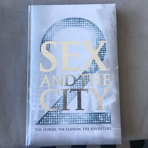 Other - Sex and the City 2 fashion book